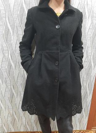 Тёплое нарядное пальто