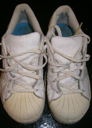 Шикарные фирменные кожаные кроссовки superstap