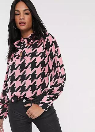 Атласная блузка с завязками и красивой фурнитурой  river island