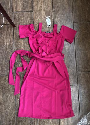 Новое брендовое платье с бирками и поясом летнее boohoo