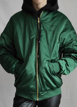 Трендовий бомбер h&m зеленого кольору /теплий