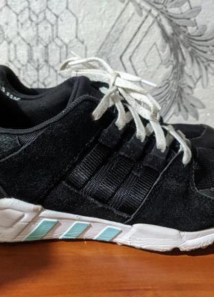 Удобные кроссовки
