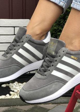 Зимние женские кроссовки на меху серые с белым adidas iniki🆕адидас иники