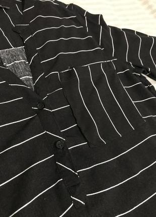 Чёрная блузка в полоску