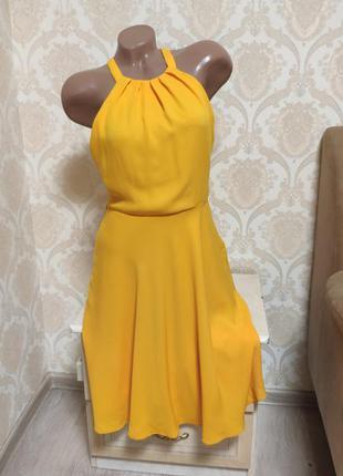 Невероятно красивое яркое платье