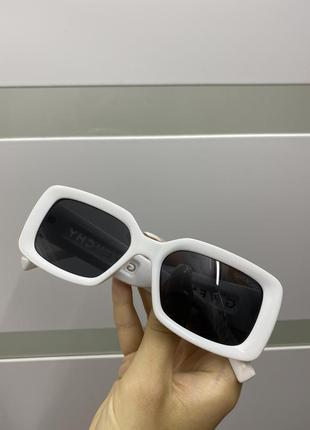 Продам новые очки 👓 при покупке от двух вещей скидка 💗