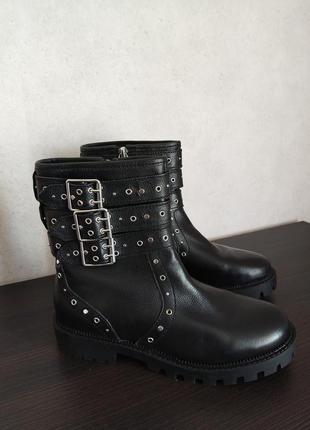 Кожаные сапоги, ботинки zara