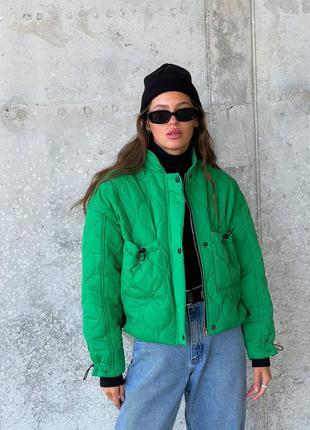 Трендовая укороченная куртка женская деми осенняя стеганая