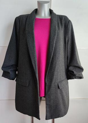 Стильный  пиджак primark из качественного материала в ёлочку