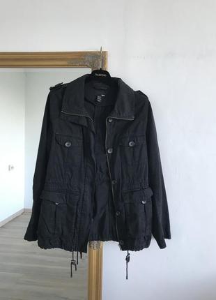 Легкая чёрная куртка парка с карманами h&m k16
