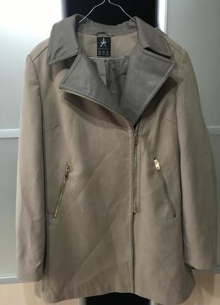Пальто з вставками