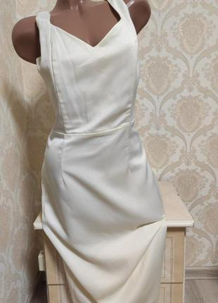 Красивое нарядное платье, колекция винтаж