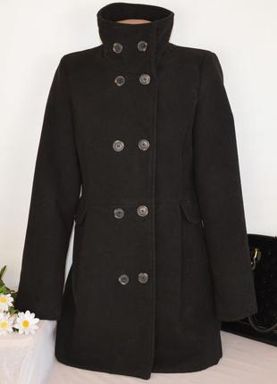Брендовое черное демисезонное пальто с карманами bershka