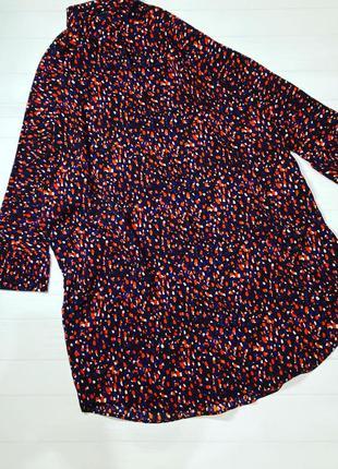 Платье -рубашка в мелкий принт с карманами