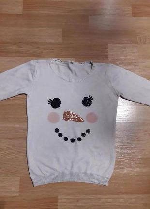 Фирменный свитер с пайетками на 6-7 лет