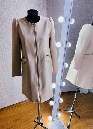 Женское легкое демисезонное пальто/плащ/жакет