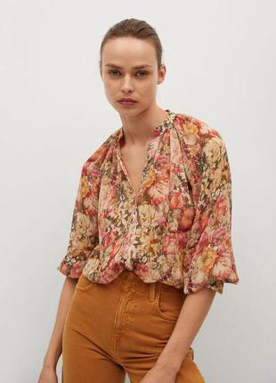 Шикарная блуза в цветочный принт от mango,p. m