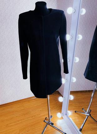 Женское черное облегченное пальто/плащ/жакет