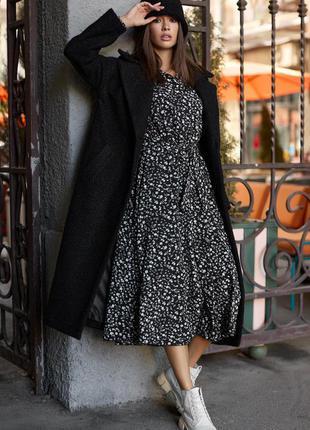 Черное классическое пальто из эко-букле