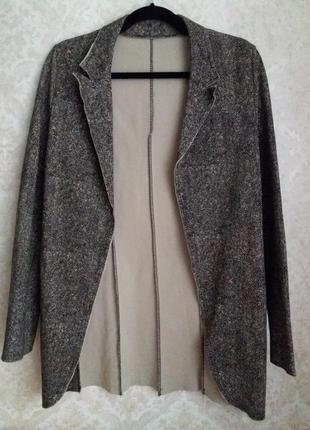 Длинный стрейчевый пиджак