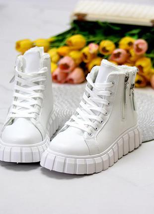 Универсальные белые женские спортивные зимние ботинки на шнуровке  размеры 36-41 к. 11752