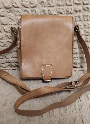 Кожаная сумка из плотной кожи