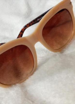 Очки солнцезащитные тигровые