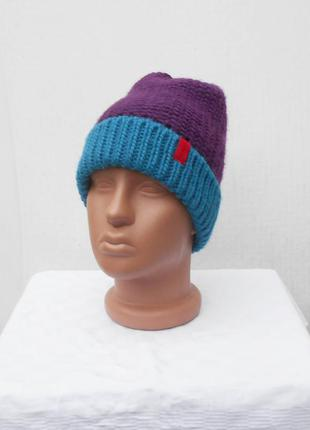 Зимняя вязаная спортивная шапка