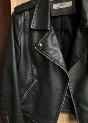 Куртка кожаная косуха зеленая