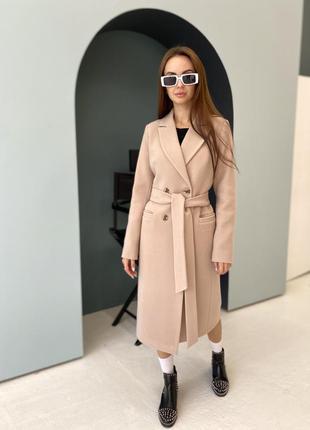 Приталенное кашемировое пальто