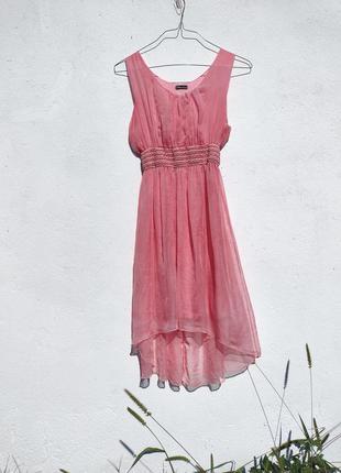 Красивое розовое платье из тончайшей ткани италия