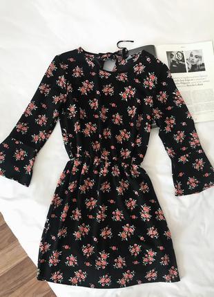 Чёрное платье в цветочный принт h&m