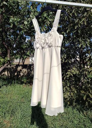 Молочное красивое платье vero moda