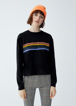Лонгслив чёрный с контрастными разноцветными полосками спереди хлопковый pull & bear