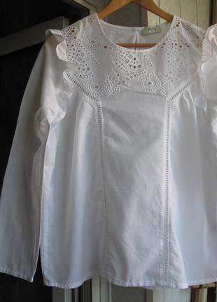 Хлопковая нежная блуза с элементами кроше и прошвы