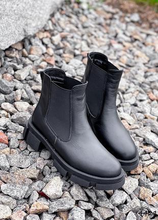 Ботинки женские gats черные натуральная кожа с резинкой байка черевики жіночі чорні натуральна шкіра