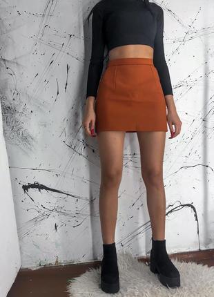 Короткая мини юбка на высокой талии, посадке