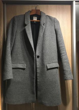 Актуальное, стильное пальто zara