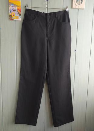 Повседневные черные брюки прямого фасона