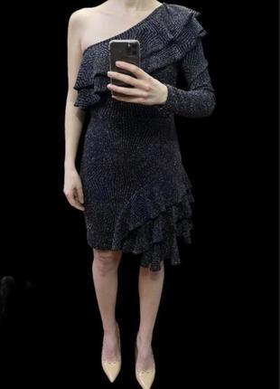 Коктейльное вечернее платье на одно плечо с воланами