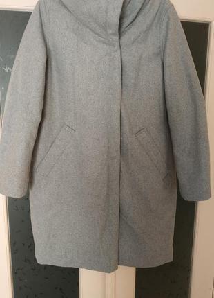 Тёплое пальто с капюшоном reserved