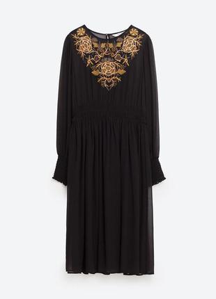 Zara зара платье чёрное с длинным рукавом с вышивкой на груди бежевой миди базовое классическое