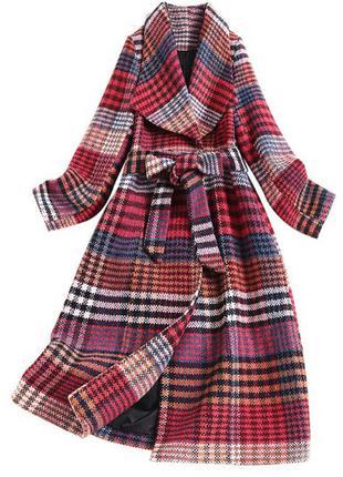 Пальто женское в клетку осень