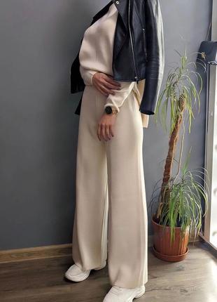 Костюм кофта штаны оверсайз прямого кроя широкий клёш трубы  однотонный повседневный модный трендовый