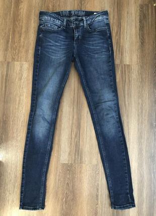 Женские джинсы на осень -зиму в идеальном состоянии