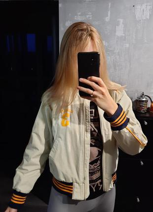 Adidas бомбер курточка женская