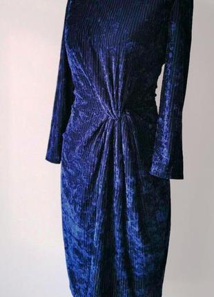 Красивейшее платье из велюра цвета сапфира в мелкий рубчик