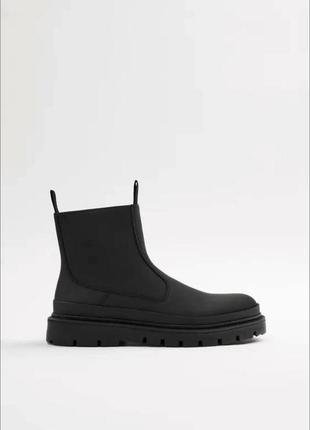 Круті водонепроникні черевики, гумаки zara