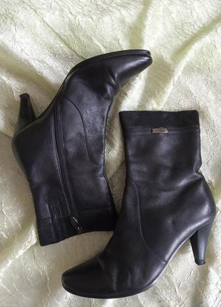Итальянские кожанные сапоги-ботинки,,moda donna,,