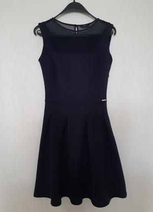Красивое платье guess